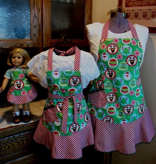Homemade christmas gift ideas pioneer thinking candycanereindeerapron solutioingenieria Image collections