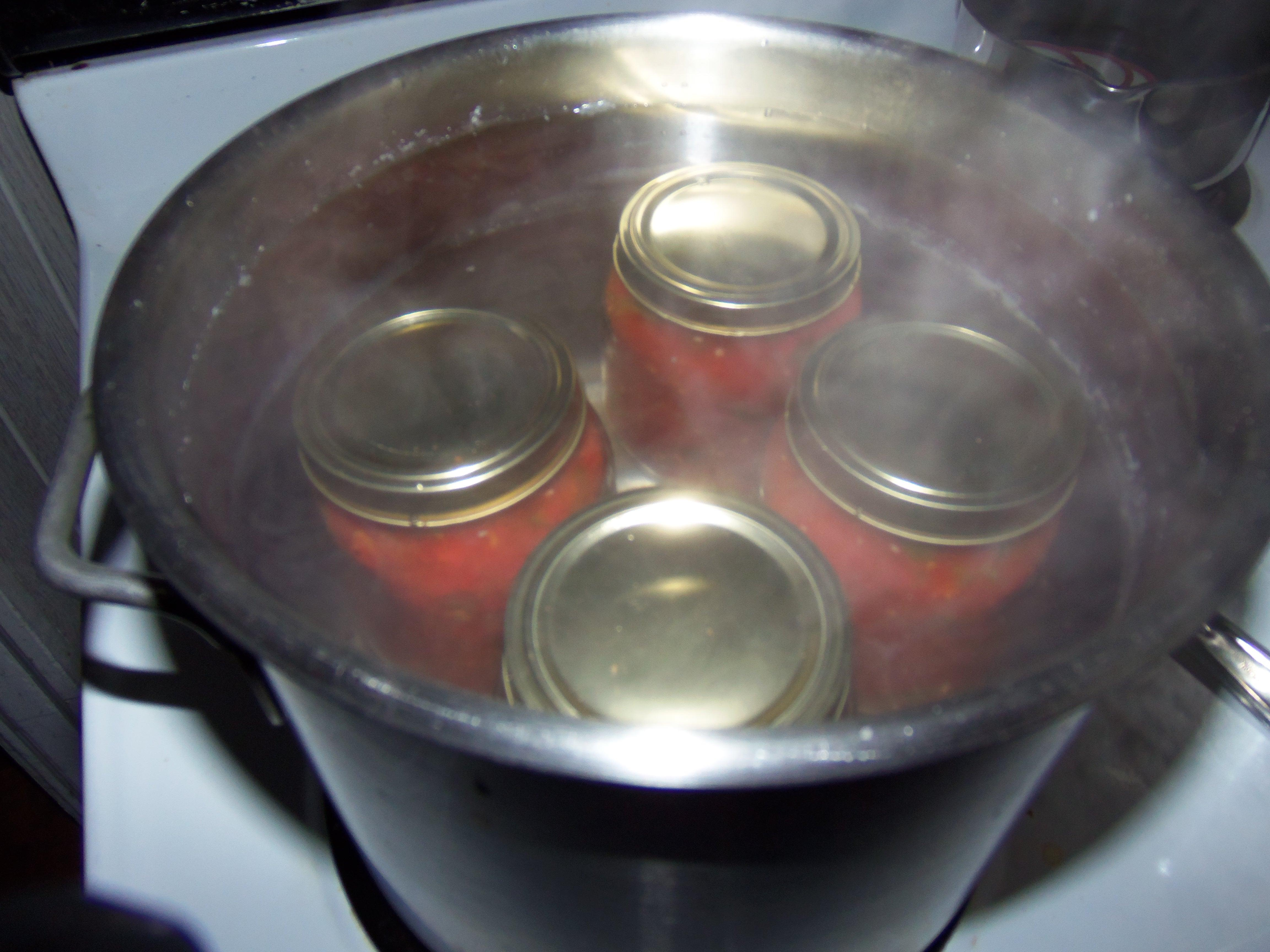 Canning Food With a Water Bath Canner