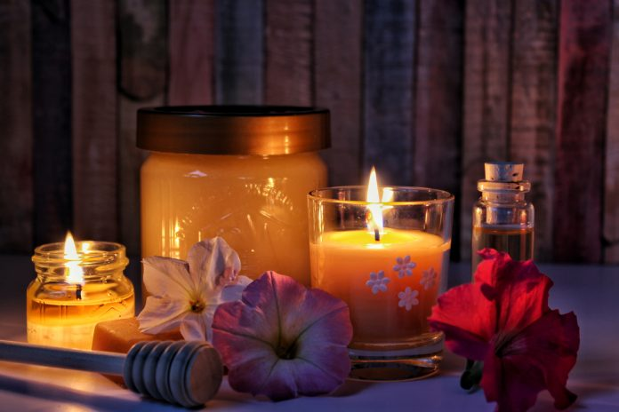 How to Make Scented Candles from Your Own Kitchen!