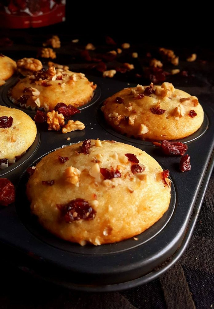 Recipes for Yummy Cranberry Breads - Glazed Berry Nut and Upside Down Raisin Muffins