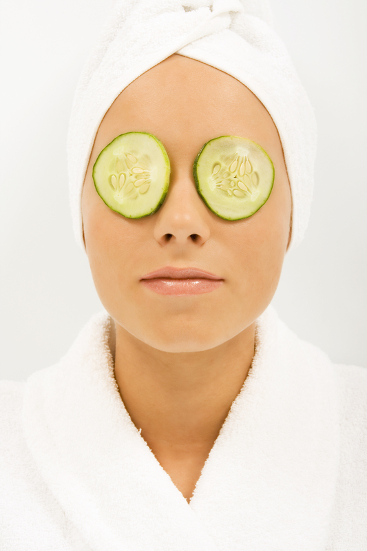 Top 10 Home Remedies for Dark Circles Under Eyes