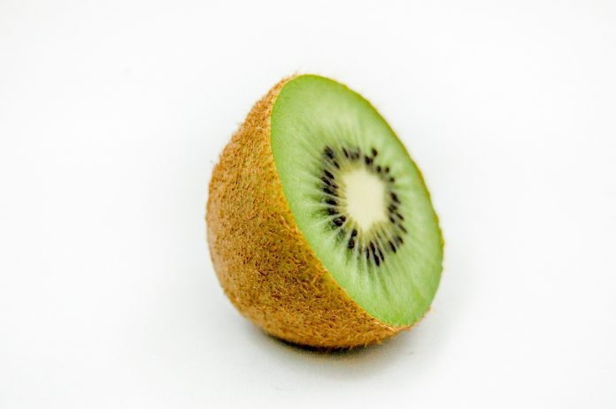 The Best Facial Masks from Kiwi Fruit