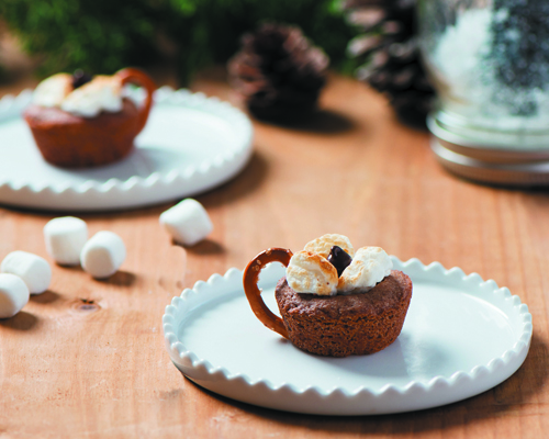 Hot Chocolate-Inspired Cookie Cups