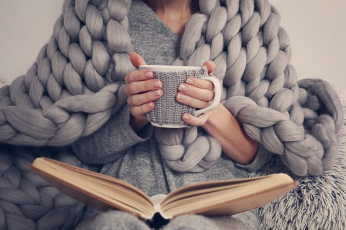 How to Create Extra Coziness and Warmth at Home This Winter