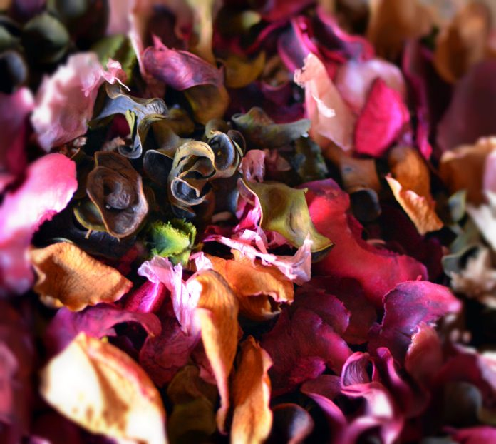 How to Make Potpourri - Instructions and Recipes