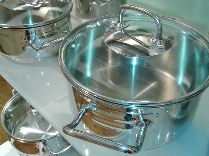 6 Easy Tips To Effectively Clean Your Stainless Steel Cookware